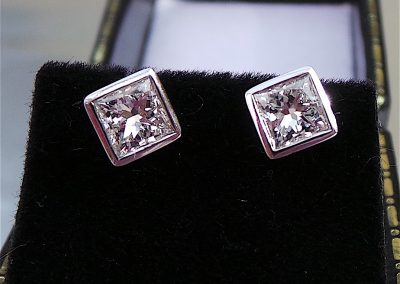 Princess Cut Diamond Earrings, ca. 0.60ct each