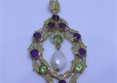 Rare Arts and Crafts Suffragette Pendant in 15 carat gold