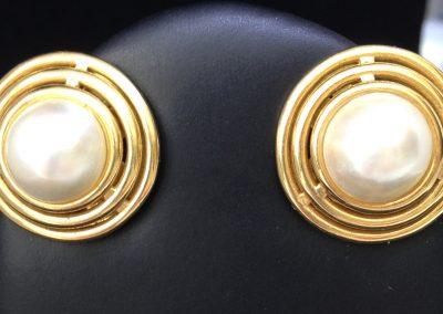 Fabulous Mabe Pearl Earrings in 18 carat gold