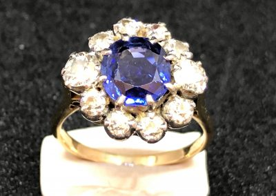 Stunning Natural Sapphire and Diamond cluster Ring
