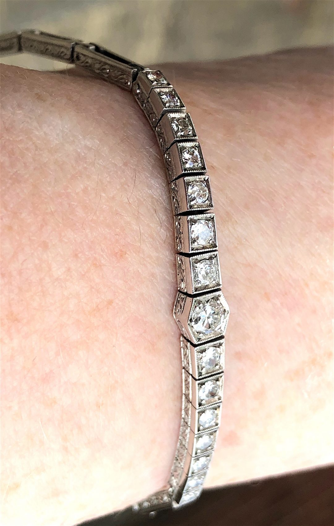 Art Deco bracelet in 14 carat white gold