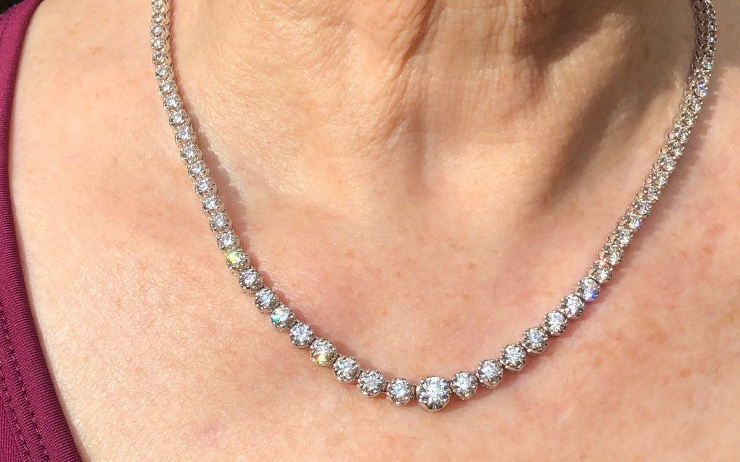 Outstanding diamond necklace in 18 carat white gold