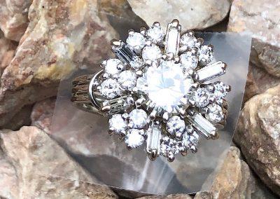 Beautiful Diamond Cluster Ring in 18 carat white gold