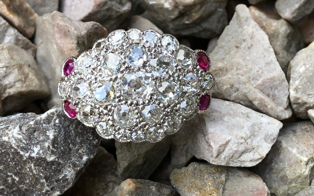 Fabulous Diamond and Ruby ring in 18 carat gold
