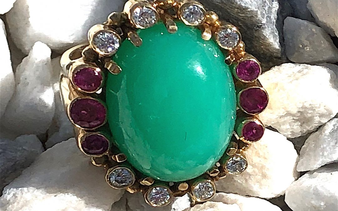 Stunning Chrysoprase, Diamond and Ruby Ring in 18 carat gold
