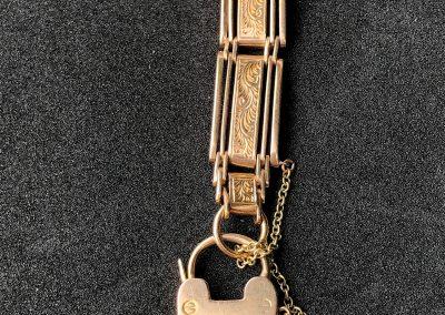 Lovely 15 carat rose gold gate bracelet
