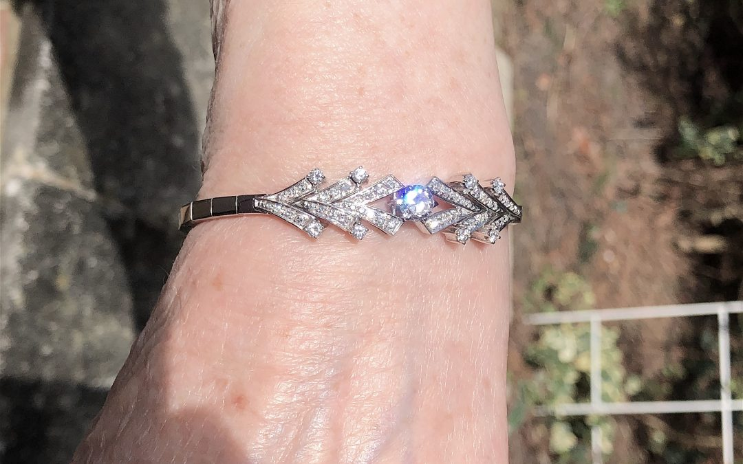 Sparkling diamond bracelet in 18 carat white gold