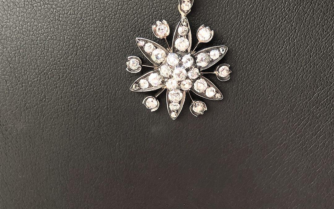 Victorian Star Pendant in 18 carat gold