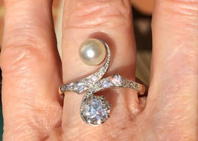 Crossover Pearl and Diamond Art Nouveau Ring in 18 carat gold