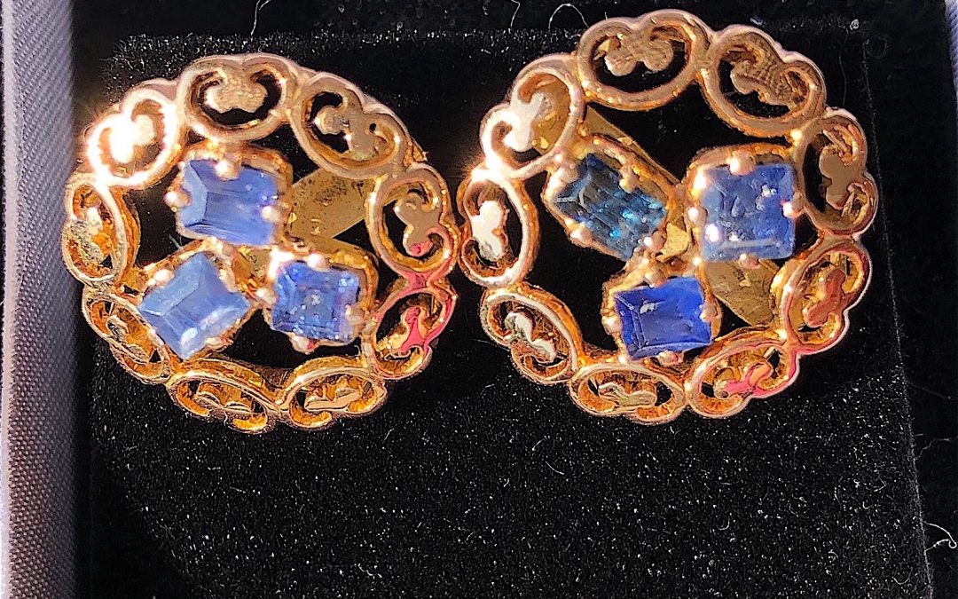 Pair of Lovely Sapphire and 14 carat gold earrings